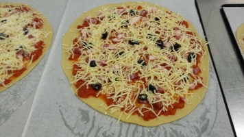 Pizza napolitaine-min