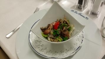 Salade de cailles aux pleurotes aromatisées au vinaigre de framboise3-min